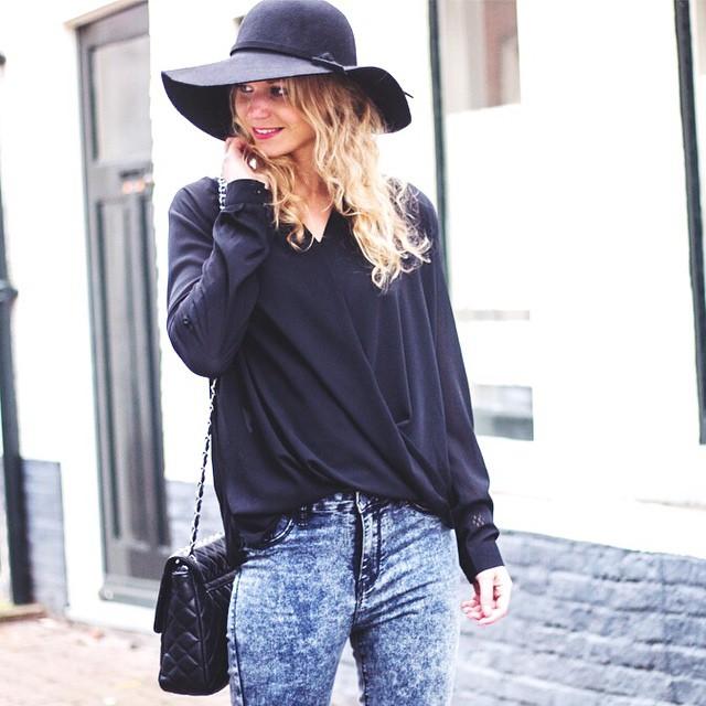 Joehoeee er staan weer nieuwe musthaves in de shop! #followfashion #streetstyle #ootd #outfit #fblogger