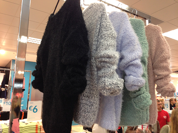 Zwarte Fluffy Trui.Event Report Opening Primark In Enschede Follow Fashion
