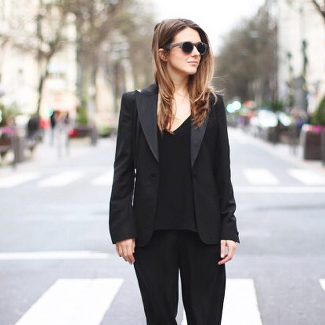 Magna showt haar favoriete blazers op FollowFashion! Link in bio #followfashion #streetstyle #fashion #outfit #ootd #blazer #instafashion #fblogger