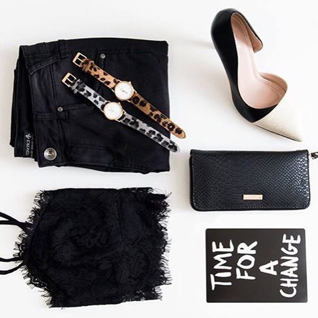 Editor's picks: de favoriete items van @marlou_ff uit onze shop! #followfashion #flatlay #follow #fashion #leopard #snakeskin #quote #bralet #leatherlook #photooftheday