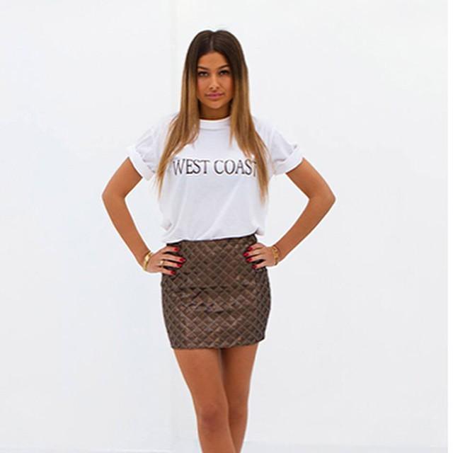 We hebben super leuke nieuwe items van LA Sisters binnen! Dit shirt is een van de favorieten op onze redactie. Meer zien? Check de site #followfashion #lasisters #ootd #outfit #westcoast #follow #fashion #musthave