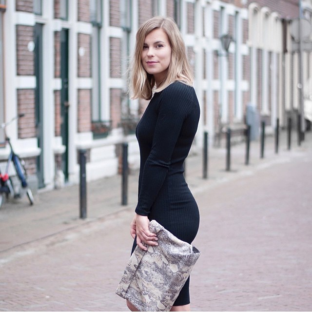 Gespot: blogger @stylebyjules in onze black dress! #fashionblogger #outfit #ootd #followfashion