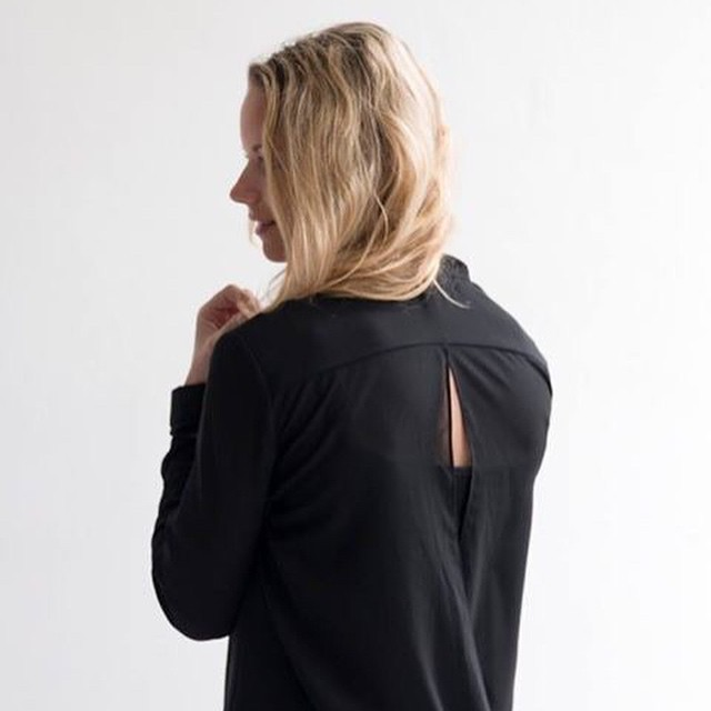 My favorite black blouse! #followfashion #shop #ootd #outfit #blouse #fblogger