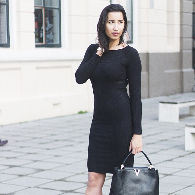 Rox is rocking this black midi dress! Shop the look @ shop.followfashion.nl #followfashion #ootd #outfit #mididress #fashionblogger #photooftheday #follow #fashion