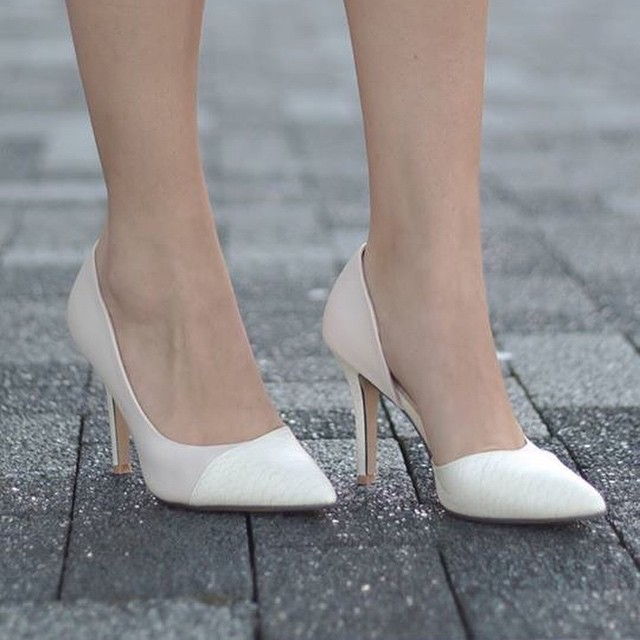 Nieuwwww in onze shop! #pumps #followfashion #streetstyle