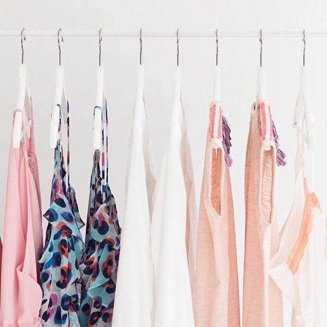 It's gonna be a sunny day! Have you seen our new spring musthaves? Shop.followfashion.nl #musthaves #spring #followfashion #clothing #interior