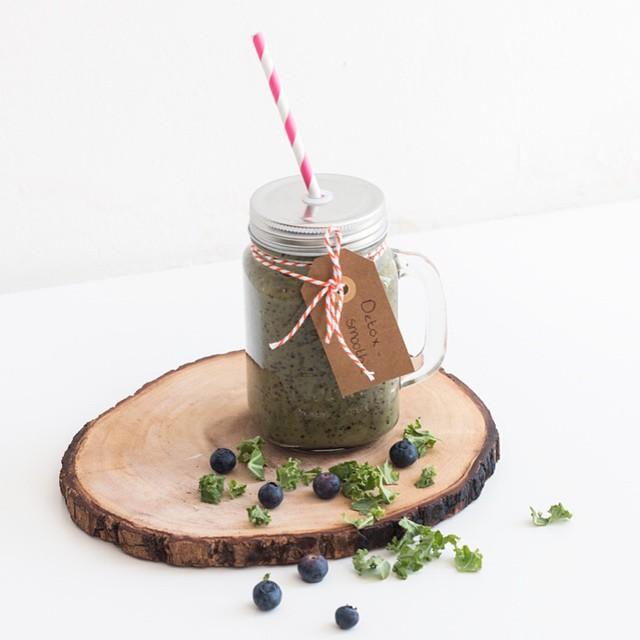 Marlou en Anne maakten gister een healthy detox smoothie! Bekijk de video en het recept op FollowFashion.nl #followfashion #instafood #smoothie #detox #foodporn