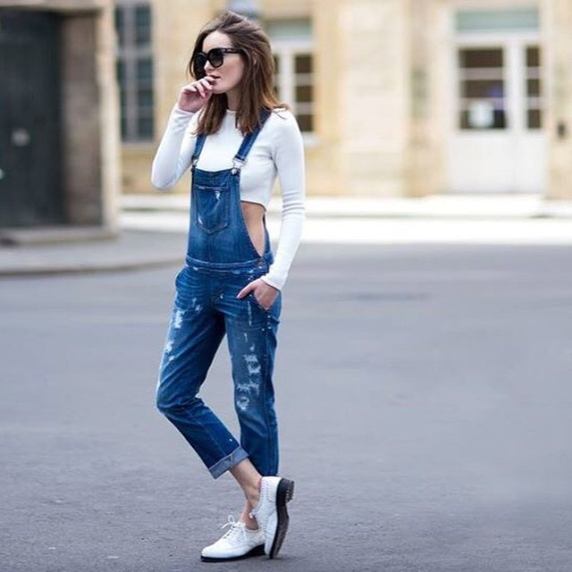Nieuwe blog online! How to wear - de tuinbroek. Wat vinden jullie van deze trend? Hot or not? #followfashion #dungarees #ootd #outfit #tuinbroek #follow #fashion