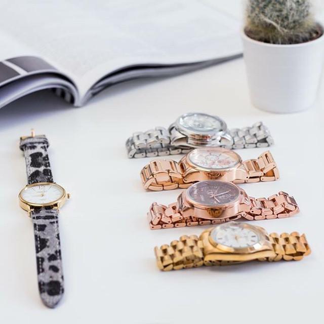 Zondag is het moederdag en daarom shop je vandaag en morgen al onze horloges met 50% korting!! #watch #followfashion #musthave