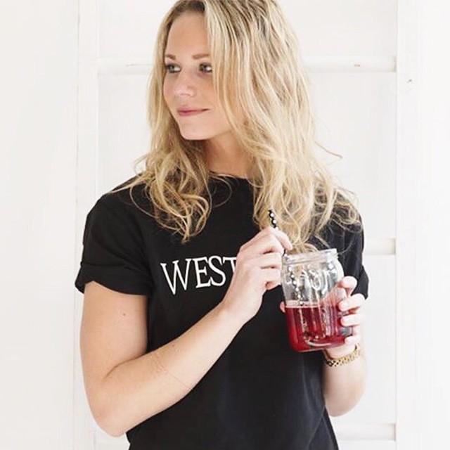 Yessss de West Coast shirts van LA Sisters vlogen de webshop uit maar zijn weer terug! In zwart en wit:-) #followfashion #lasisters #westcoast #ootd #outfit #instafashion #fblogger
