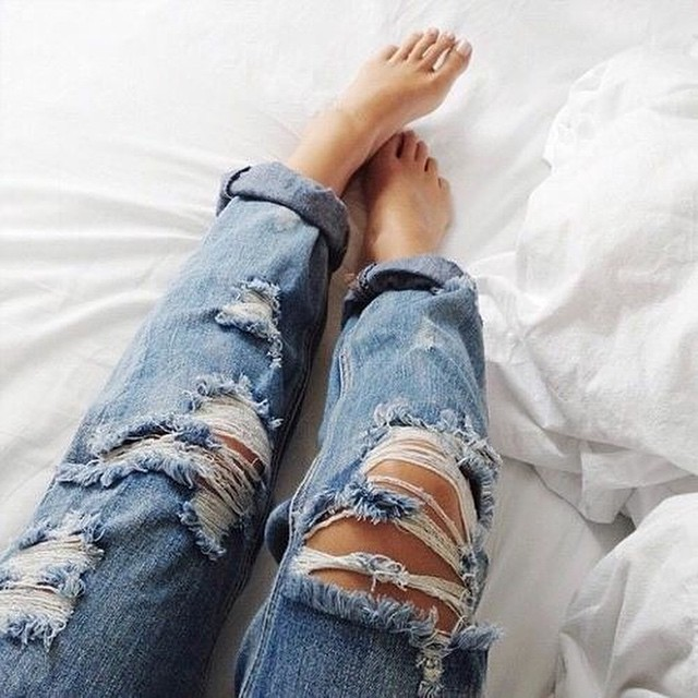 Now on the blog: inspiration pics with ripped denim jeans! #followfashion #ootd #ripped #jeans #denim #photooftheday