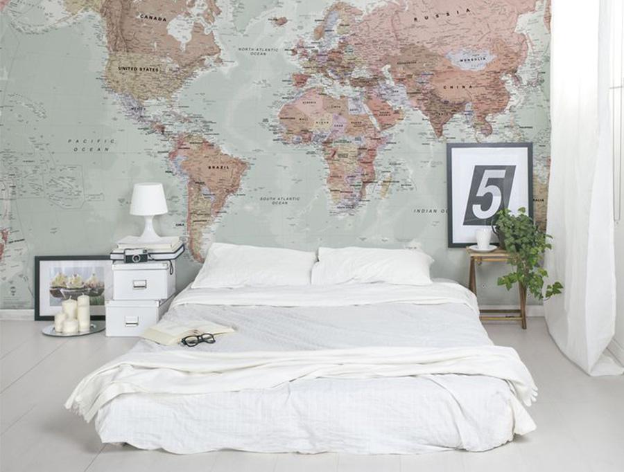 Friday favourite wereldkaart aan de muur follow fashion for Bed in de muur
