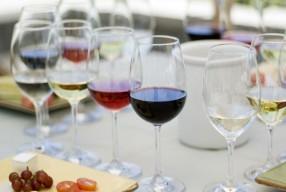 Welke wijn past bij welke fastfood?
