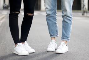 Zó maak je witte sneakers schoon
