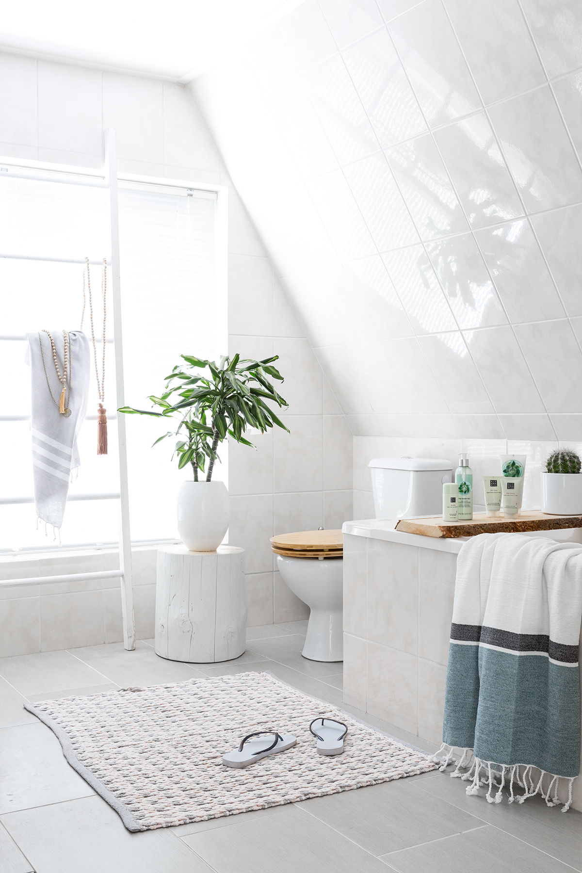 Badkamer ideeen - Binnenkijken in onze badkamer. Before & after!