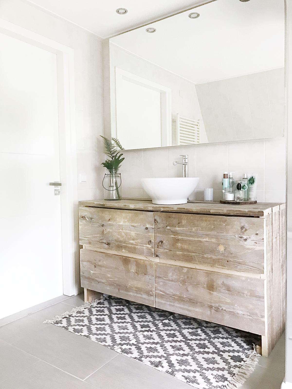 Badkamer ideeen binnenkijken in onze badkamer before after - Winkelruimte met een badkamer ...