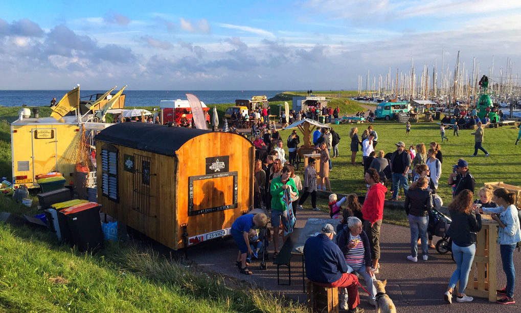 Foodtruck festivals beach food festival