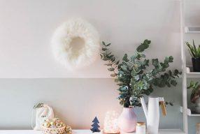DIY kerstkrans van schapenvacht
