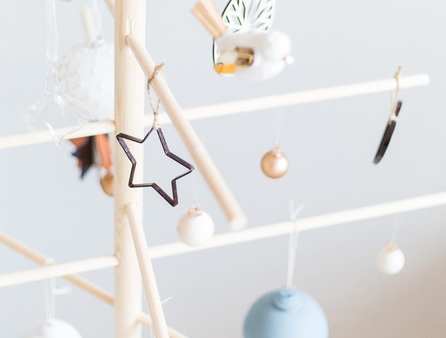 kerst interieur ideeen houten-kerstboom-maken