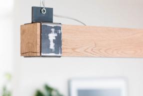 Keuken make-over: nieuwe houten balklamp