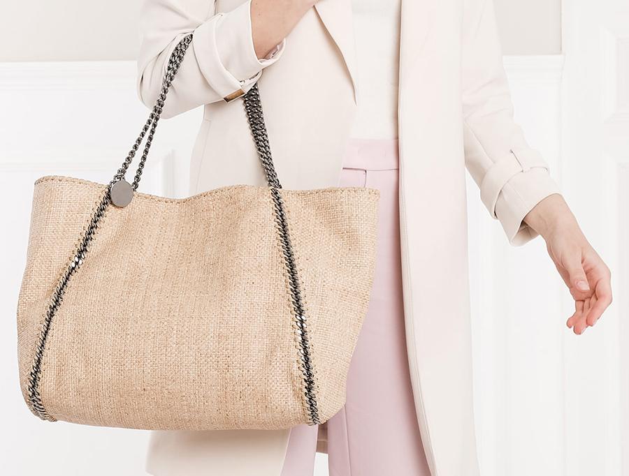 Dit zijn de leukste tassen trends deze zomer Follow Fashion